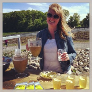 Jen from Pluck Teas serves up lovely lavender iced tea